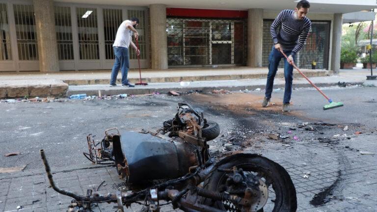 APRÈS DES VIOLENCES MEURTRIÈRES À BEYROUTH , LE SPECTRE D'UNE NOUVELLE GUERRE CIVILE PLANE SUR LES LIBANAIS
