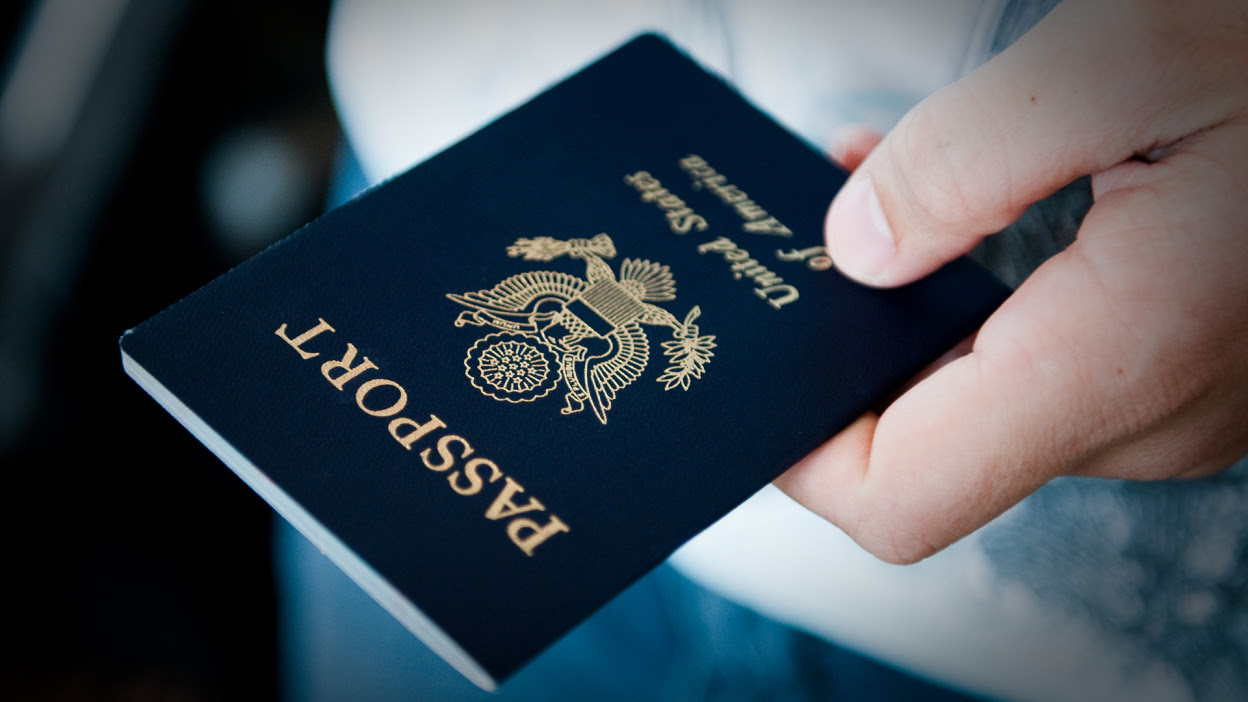 """Joe Biden keeps his word and the USA issues the first passport with an """"X"""" gender"""