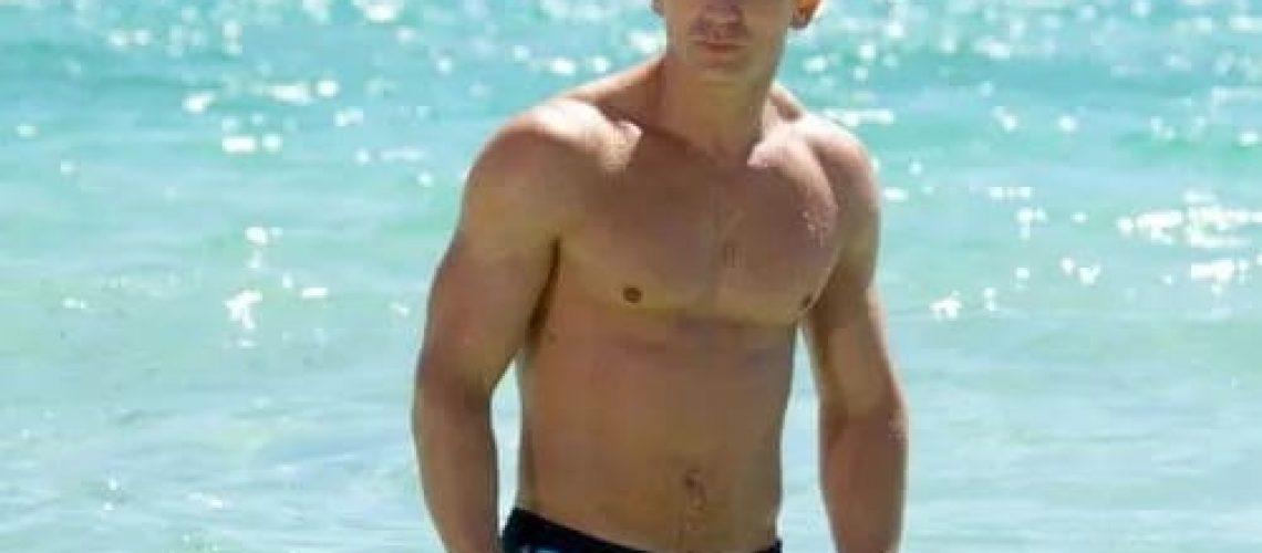 4181-Daniel-Craig-Hot-Shirtless-Actor-Wall-Sticker-Art-Poster-For-Home-Decor-Silk-Canvas-Painting.jpg_Q90.jpg_.webp